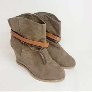 MIA Carrie Tan Faux Suede Wedge Bootie Sz 8.5
